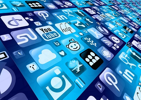 Can Recruiters Meet the Challenge of Social Networks?